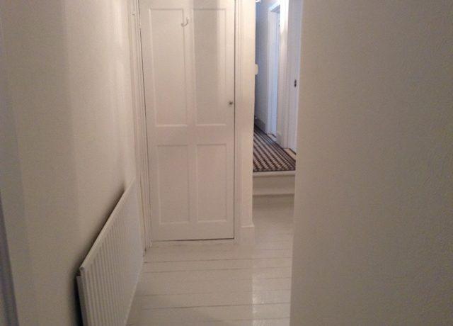 242WBRSW6-Hallway1