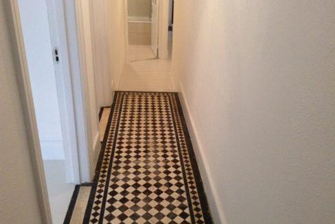 242WBRSW6-Hallway2