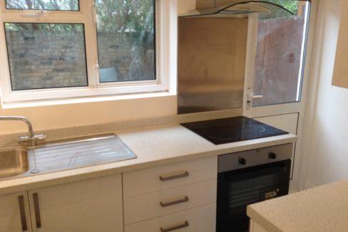 242WBRSW6-Kitchen1