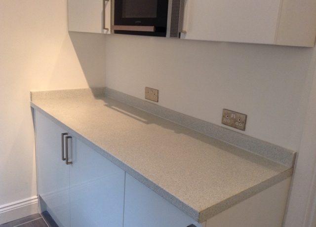 242WBRSW6-Kitchen2