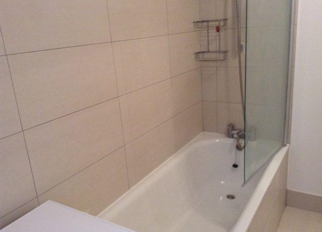 242WBRSW6-bath1a