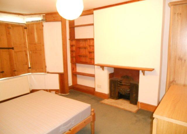 8STN19F1-Bedroom