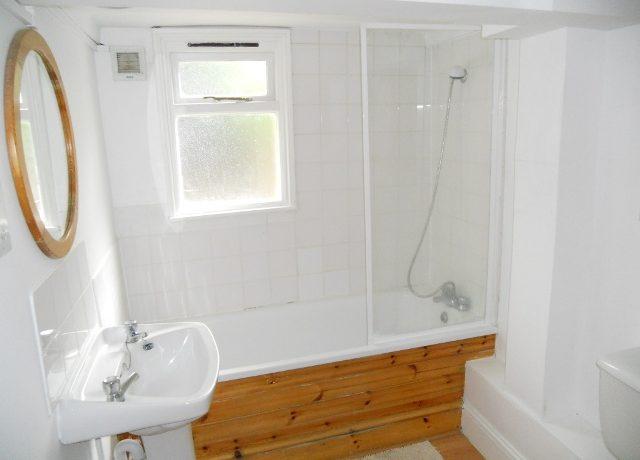 8STN19F1-bath